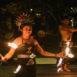 Bali Honeymoon Packages The Laguna Bali Fire Dancers