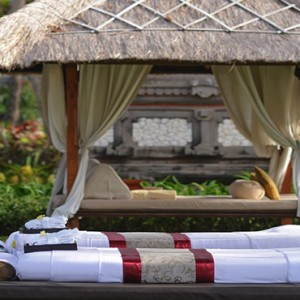 Bali Honeymoon Packages The Laguna Bali Spa Massage Outdoors