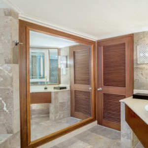 Bali Honeymoon Packages The Laguna Resort & Spa Lagoon Access Suite Bathroom