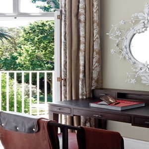 Belmond Mount Nelson, Cape Town - Luxury South Africa Honeymoon Packages - Deluxe room dressing table