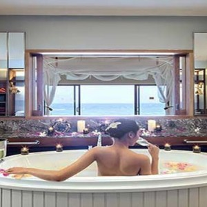 Centara Grand Island Resort & Spa - Luxury Maldives Honeymoon Packages - Sunset Ocean Pool Villa bathroom