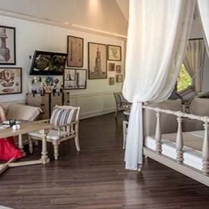 Centara Grand Island Resort & Spa - Luxury Maldives Honeymoon Packages - The club lounge