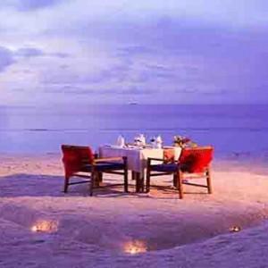 Centara Grand Island Resort & Spa - Luxury Maldives Honeymoon Packages - beach dining
