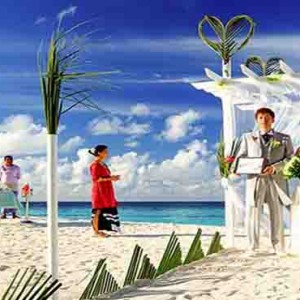 Centara Grand Island Resort & Spa - Luxury Maldives Honeymoon Packages - wedding