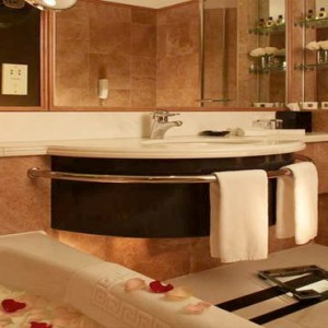 Harbour Grand Kowloon - Luxury Hong Kong Honeymoon Packages - Bathroom