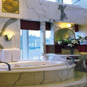 Harbour Grand Kowloon - Luxury Hong Kong Honeymoon Packages - Presidential Suite (15F) bathroom