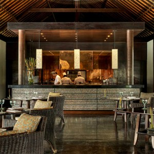 Legian Bali Seminyak - Luxury Bali Honeymoon Packages - Club Dining