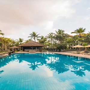 Legian Bali Seminyak - Luxury Bali Honeymoon Packages - Infinity pool