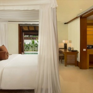 Legian Bali Seminyak - Luxury Bali Honeymoon Packages - One bedroom Villa (Villas at The Club) Bedroom