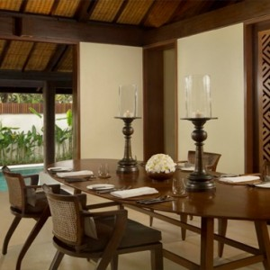 Legian Bali Seminyak - Luxury Bali Honeymoon Packages - One bedroom Villa (Villas at The Club) Dining area