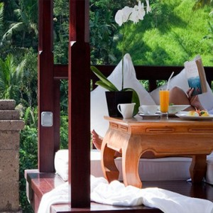 Luxury Bali Honeymoon Packages Viceroy Bali Deluxe Terrace Pool Villa Women In Cabana