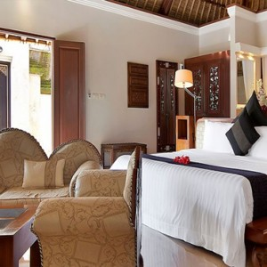 Luxury Bali Honeymoon Packages Viceroy Bali Terrace Pool Villa Bedroom