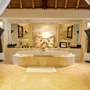 Luxury Bali Honeymoon Packages Viceroy Bali Vice Regal Pool Villa 1 Bathroom