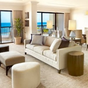 Ali i Ocean Front One Bedroom Suite - Hilton Hawaiian Waikiki Beach - Luxury Hawaii Honeymoon Packages