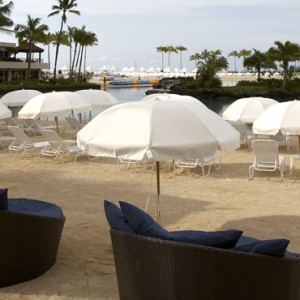 Beach 3 - Hilton Hawaiian Waikiki Beach - Luxury Hawaii Honeymoon Packages