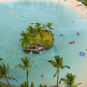 Beach - Hilton Hawaiian Waikiki Beach - Luxury Hawaii Honeymoon Packages