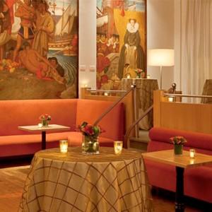 Breakfast at Murals on 54 Restaurant - Warwick New York Hotel - Luxury new york honeymoon packages