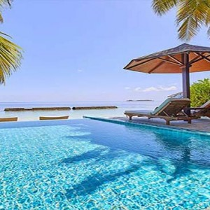 Centara Grand Island Resort & Spa - Luxury Maldives Honeymoon Packages - Luxury Beachfront Pool Villa 1 Bedroom pool1