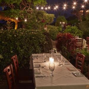 Dining 2 - hotel wailea maui - luxury hawaii honeymoon packages
