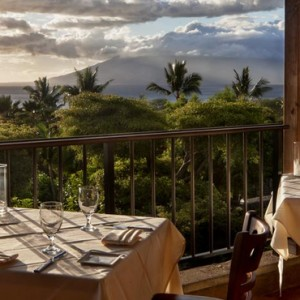 Dining - hotel wailea maui - luxury hawaii honeymoon packages