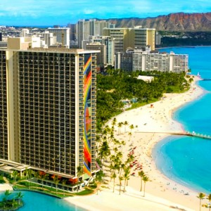 Exterior - Hilton Hawaiian Waikiki Beach - Luxury Hawaii Honeymoon Packages