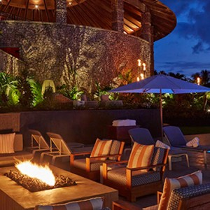 Firepit - hotel wailea maui - luxury hawaii honeymoon packages