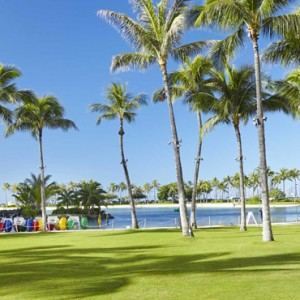 Gardens - Hilton Hawaiian Waikiki Beach - Luxury Hawaii Honeymoon Packages