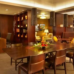 Lobby 5 - Hilton Hawaiian Waikiki Beach - Luxury Hawaii Honeymoon Packages