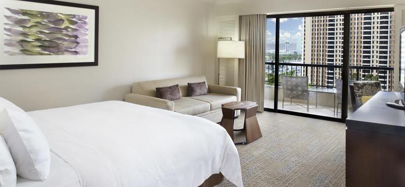 Hilton Hawaiian Village Waikiki Beach Resort Honeymoon