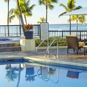 Pool 3 - Hilton Hawaiian Waikiki Beach - Luxury Hawaii Honeymoon Packages