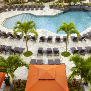 Pool - Hilton Hawaiian Waikiki Beach - Luxury Hawaii Honeymoon Packages
