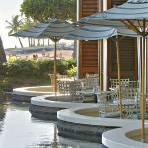 Rainbow Lanai - Hilton Hawaiian Waikiki Beach - Luxury Hawaii Honeymoon Packages