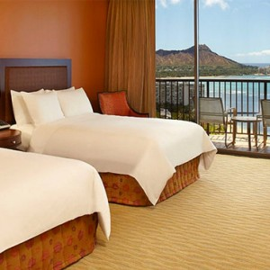 Rainbow Tower Ocean Front Room 2 - Hilton Hawaiian Waikiki Beach - Luxury Hawaii Honeymoon Packages