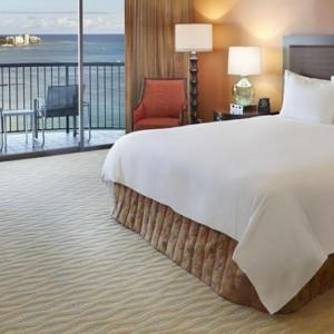 Rainbow Tower Ocean Front Room 3 - Hilton Hawaiian Waikiki Beach - Luxury Hawaii Honeymoon Packages