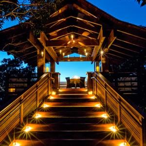 Treehouse - hotel wailea maui - luxury hawaii honeymoon packages