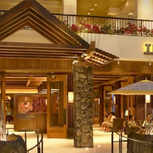 Tropics Bar and Grill - Hilton Hawaiian Waikiki Beach - Luxury Hawaii Honeymoon Packages