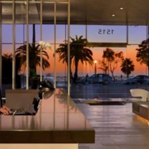 lobby 2 - the shore hotel santa monica - luxury los angeles honeymoon packages