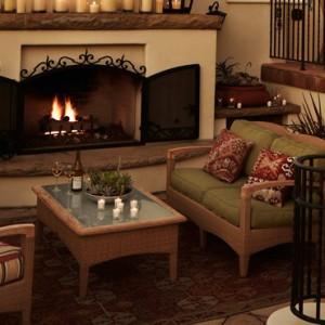 lounge - Kimpton canary Hotel Santa Barbra - Luxury Los Angeles Honeymoon Packages