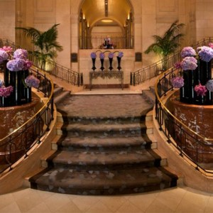 New York Honeymoon Packages The Peninsula New York Hotel Entrance
