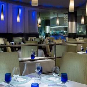 Aqua Knox - The Palazzo Las Vegas - Luxury Las Vegas Honeymoon Packages