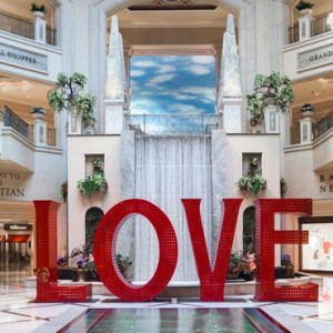 lobby 4 - The Palazzo Las Vegas - Luxury Las Vegas Honeymoon Packages
