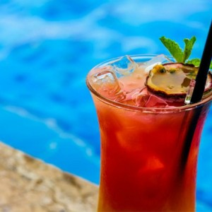 Abu Dhabi Honeymoon Packages The Ritz Carlton Abu Dhabi Grand Canal Pool Bar