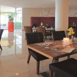 Abu Dhabi Honeymoon Packages Radisson Blu Hotel, Abu Dhabi Yas Island Assymetri