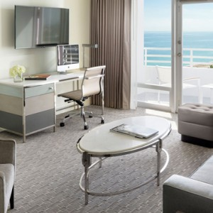Miami Honeymoon Packages Fontainebleau Miami South Beach Bay View Junior Suite With Balcony 2