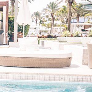 Pool Opium Bed Fontainebleau Miami Beach Miami Honeymoons