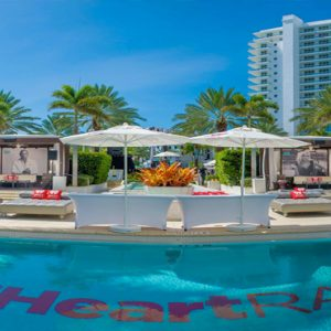 Pool Party Event Fontainebleau Miami Beach Miami Honeymoons