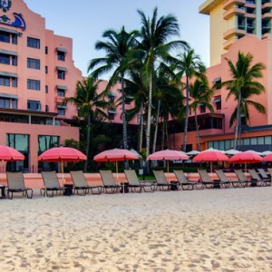 Hawaii Honeymoon Packages Royal Hawaiian Resort Beach