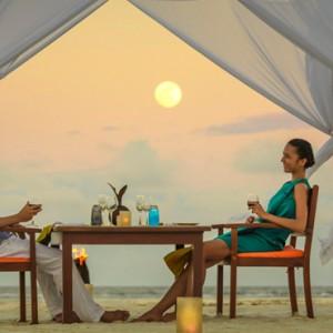 Maldives Honeymoon Packages Angsana Velavaru In Villa Dining