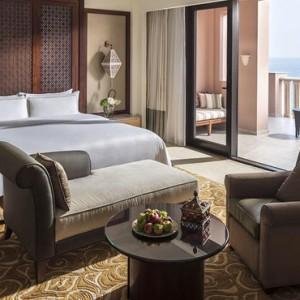Abu Dhabi Honeymoon Packages Shangri La Al Husn Resort And Spa Al Husn Speciality Suite