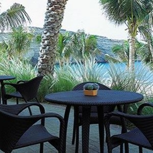 Abu Dhabi Honeymoon Packages Shangri La Al Husn Resort And Spa Mahhara Beach Bar